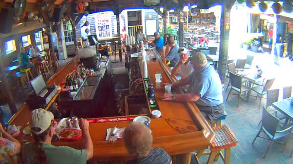 Smokin' Tuna Saloon: Bar Cam